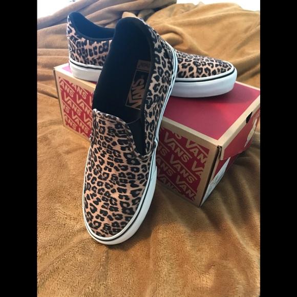 Vans Shoes   Asher Deluxe Cheetah Print